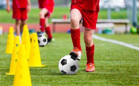 Tingkatkan permainan sepak bola Anda dengan tips ini